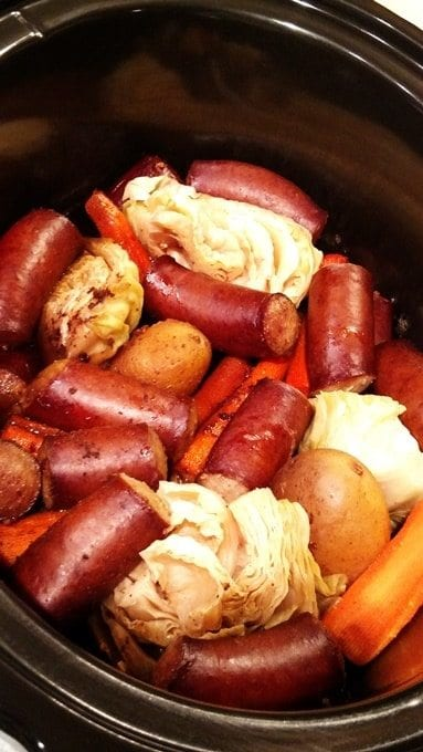 One-Pot Smoked Sausage Dinner! Find this & more yummy recipes @ https://www.slowcookerkitchen.com