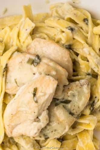 Crock Pot Chicken Breasts in Sour Cream Sauce